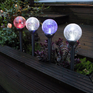 Lampi solare iluminat gradina