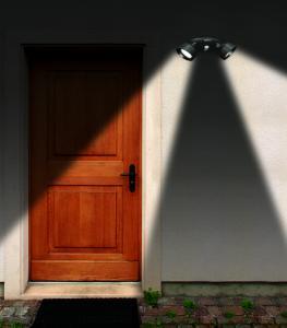 Lampa leduri cu senzor lumina si miscare