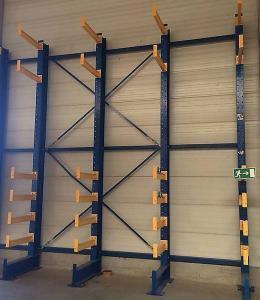 Rafturi cantilever import Germania , second hand, stare foarte buna , dimensiuni h 4 m, bratele au dimensiuni intre 0,6 si 1,5 m