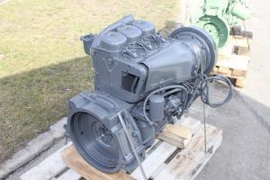 Motor cu un piston