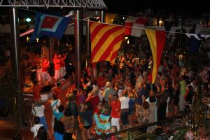 Organizam party-uri in  toata tara