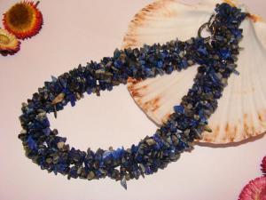 Coliere lapis lazuli