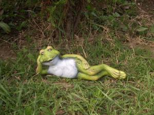 Figurina ceramica Broasca intinsa