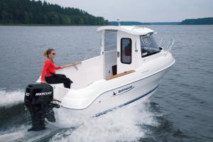 Barca cabina