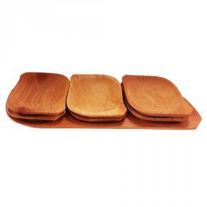 Set platou din lemn cu 6 farfurii