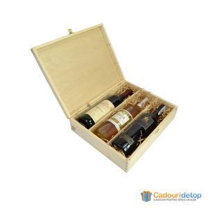 Cutie din lemn natur pentru trei sticle de vin