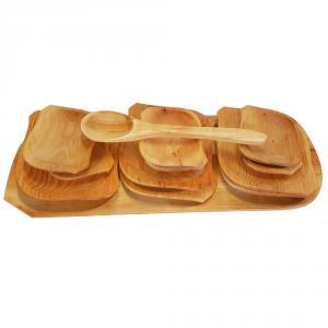 Set platou din lemn cu 12 farfurii si lingura de lemn
