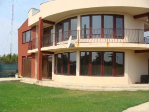 Vanzare vila SNAGOV