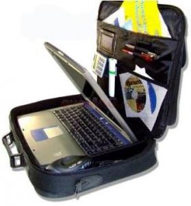 "Geanta laptop 17"" (neagra)"