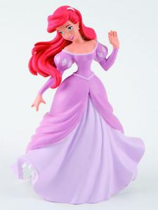 Ariel in rochie de bal