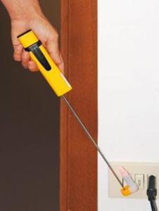Detector cabluri electrice