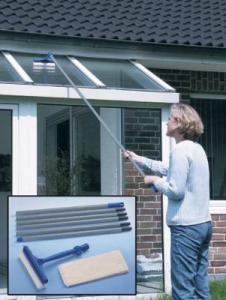 Dispozitiv telescopic curatarea geamurilor