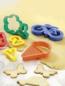 100 forme pentru biscuiti!