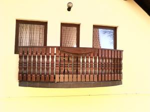 Balustrii din lemn