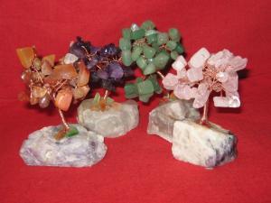 Copacei cu pietre semipretioase