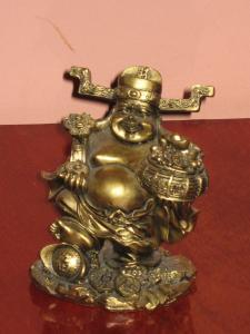 Buddha auriu cu Ru Yi si vasul abundentei ( rasina)
