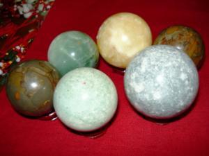 Importator pietre semipretioase