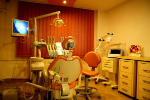 Cabinet dentist