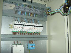 Executam lucrari de instalatii electrice