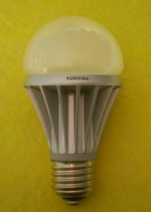 Bec glob Toshiba, cu radiator aluminiu, 3.5W, 180lm, E27