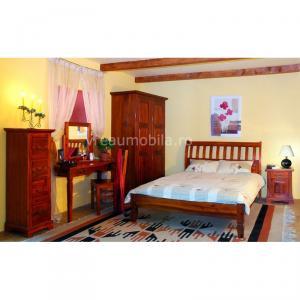 Mobila de dormitor lemn masiv