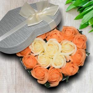Cutie Inima cu Trandafiri din Sapun