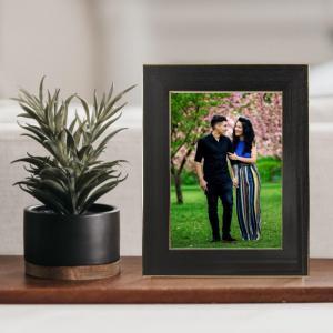 Rama foto  de birou Negru cu Auriu personalizata cu o fotografie