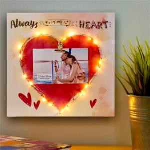 Rama foto Led Lovers personalizata cu o fotografie