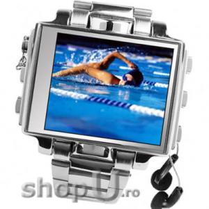 Camera video model ceas cu ecran LCD