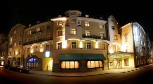 Revelion Austria-Tirol-Innsbruck, Hotel Grauer Bar 4*