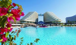 Antalya-Lara, Hotel Miracle Deluxe Resort 5*