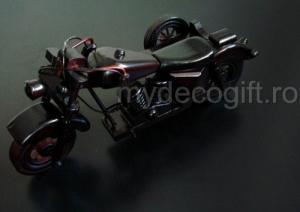 Motocicleta epoca lemn