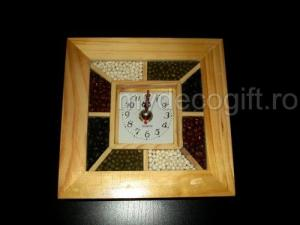 Ceas din lemn seminte decorative