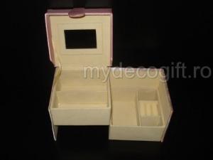 Cutie de bijuterii model cub mediu