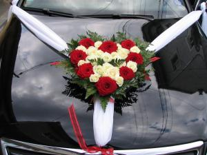 Flori masina nunta