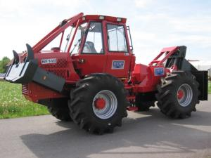 Utilaj forestier tractor