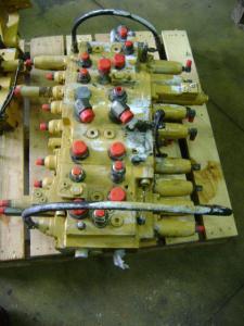 Distribuitor hidraulic excavator Caterpillar 312 B