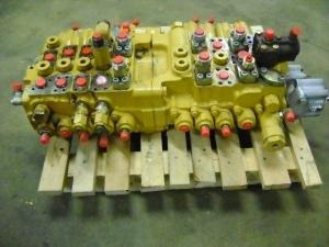 Distribuitor hidraulic excavator Caterpillar 320 B