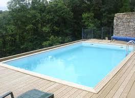Lemn piscina