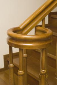 Balustrada pentru scari din lemn