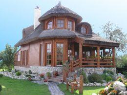 Casa Monolit