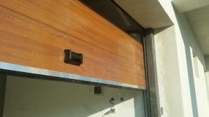 Usa garaj sectionala cu telecomanda