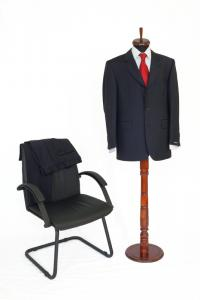 Costum bleumarin cu dungi gri Pierre Cardin
