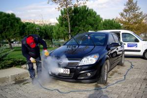 Aparat spalat abur auto