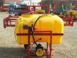 Erbicidator de 600 litri purtat, Wirax