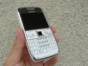 Nokia e 72 white