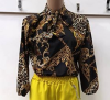 Bluza dama cu imprimeu animal print si motive geometrice