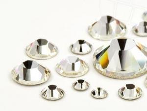 Aplicare cristale swarovski
