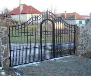 Porti garduri metalice