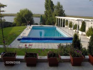 Constructie piscine sc miled serv impex srl for Constructie piscine